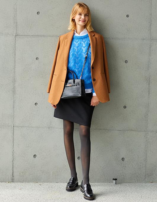 清潔感のあるグットガールスタイルも、ジャケットがあってこそ。